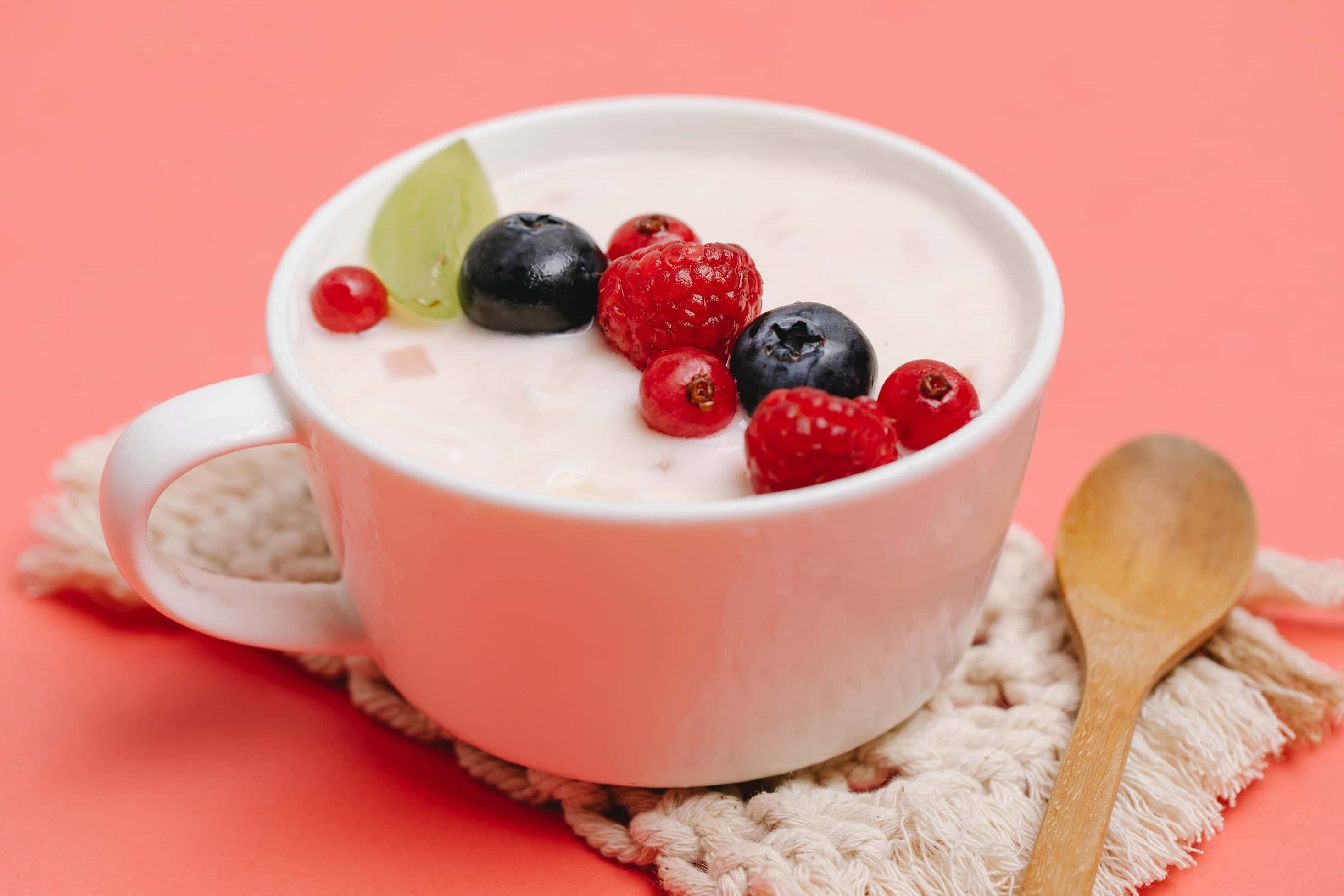 4 Manfaat Mengonsumsi Yoghurt Bagi Kesehatan Tubuh
